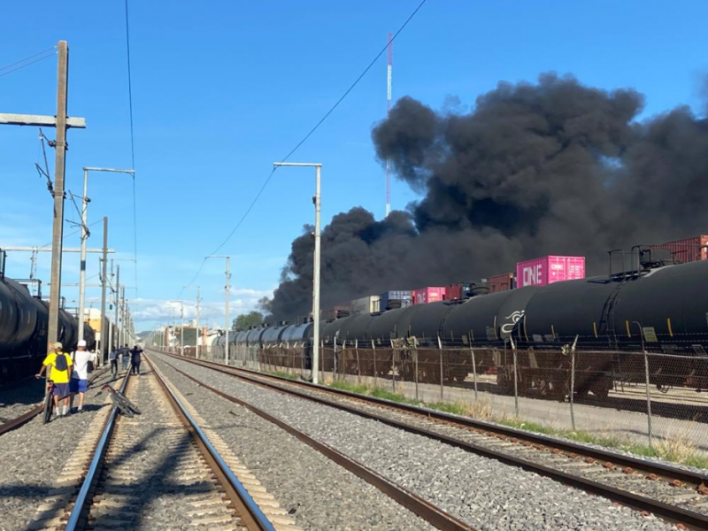 Arde combustible en aduana de Las Teresas