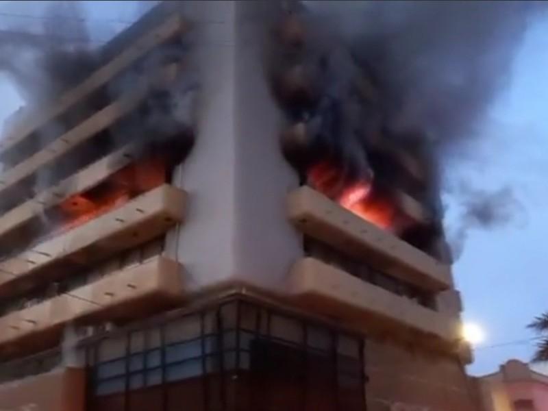 Arde edificio en el centro histórico de Veracruz