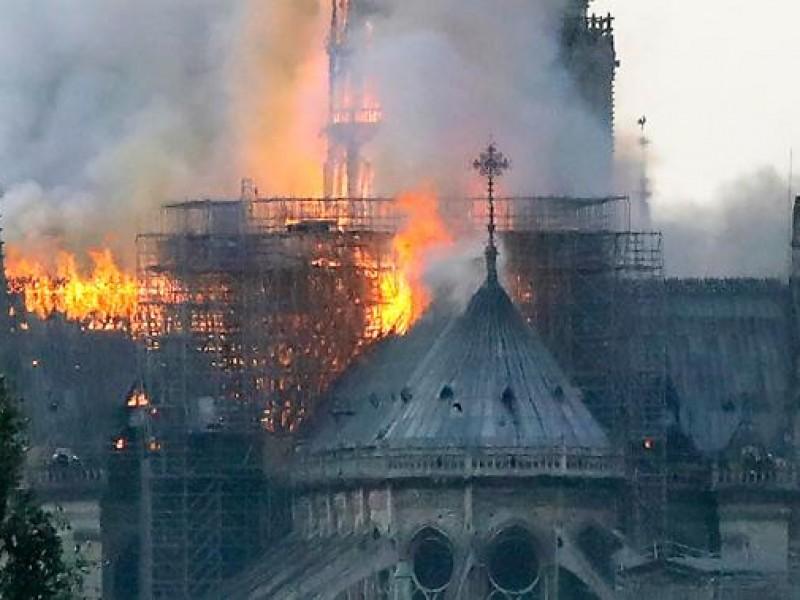 📹Arde la emblemática Catedral de Notre Dame