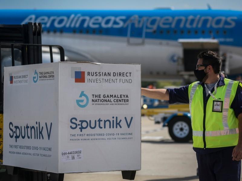 Argentina recibe octavo vuelo con 500 mil dosis Sputnik V