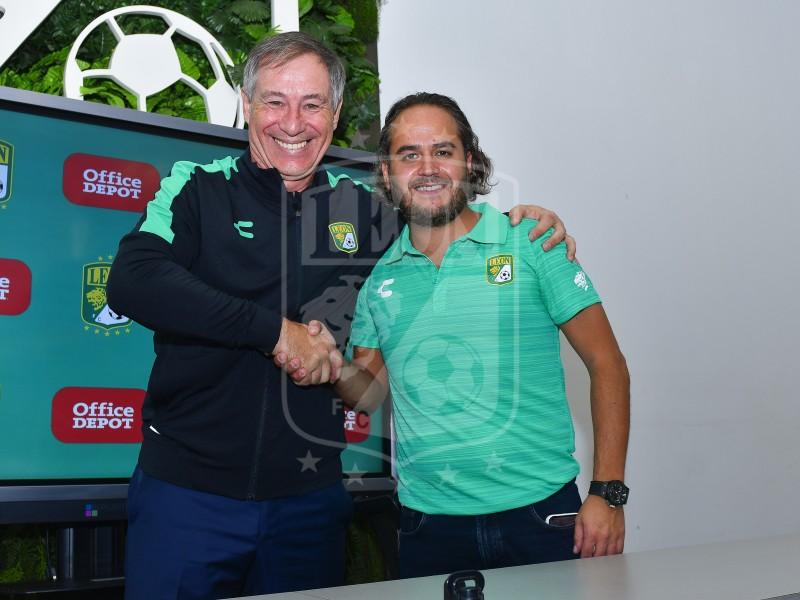 Ariel Holan es presentado como técnico del Club León