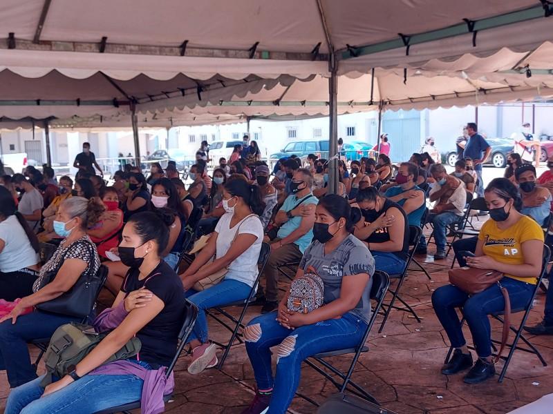 Arranca Ahuacatlán vacunación 2da dosis de 30 a 39 años