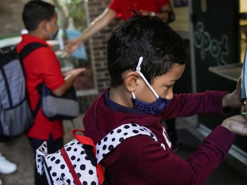 Arranca ciclo escolar en Michoacán con educación básica desde casa