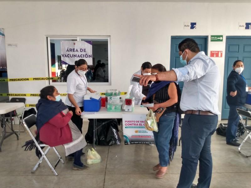 Arranca vacunación anti COVID para adultos mayores en Tangancícuaro