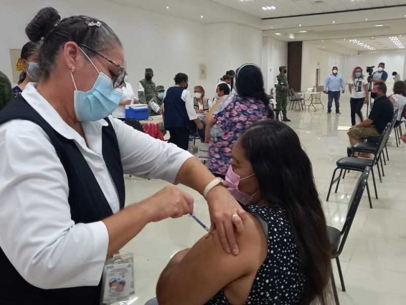 Arranca vacunación en población de 40 años de Gómez Palacio