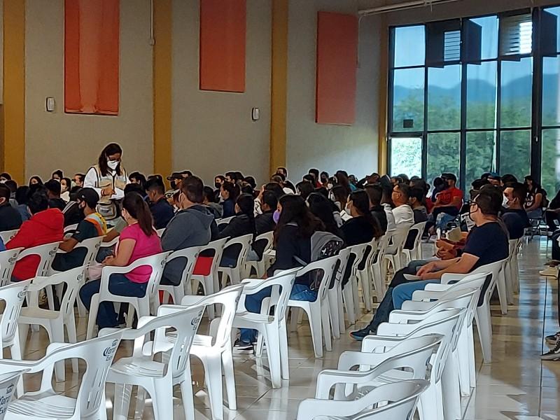 Arranca vacunación para jóvenes en Chapala
