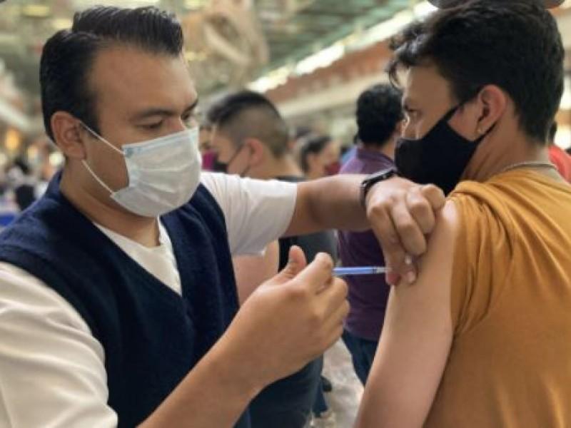 Inicia vacunación para mayores de 30 años en CDMX