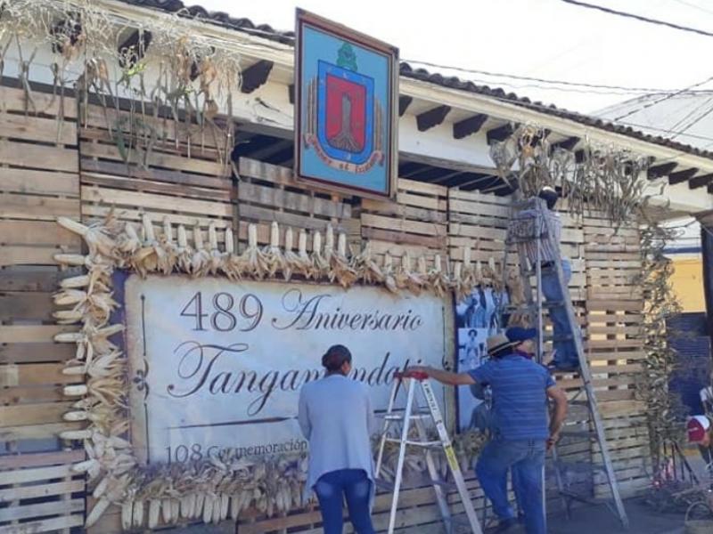 Arrancan festejos del  489 aniversario de Tangamandapio