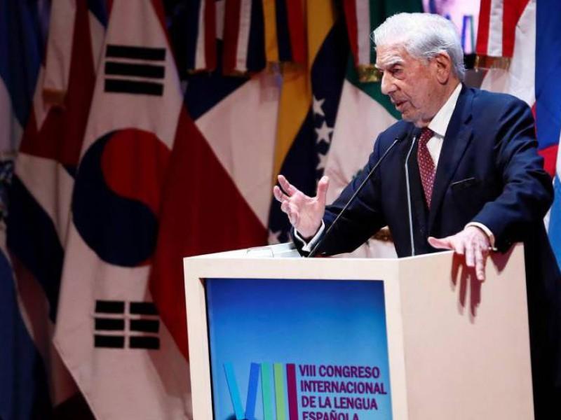 Arremete Vargas Llosa vs AMLO, otra vez