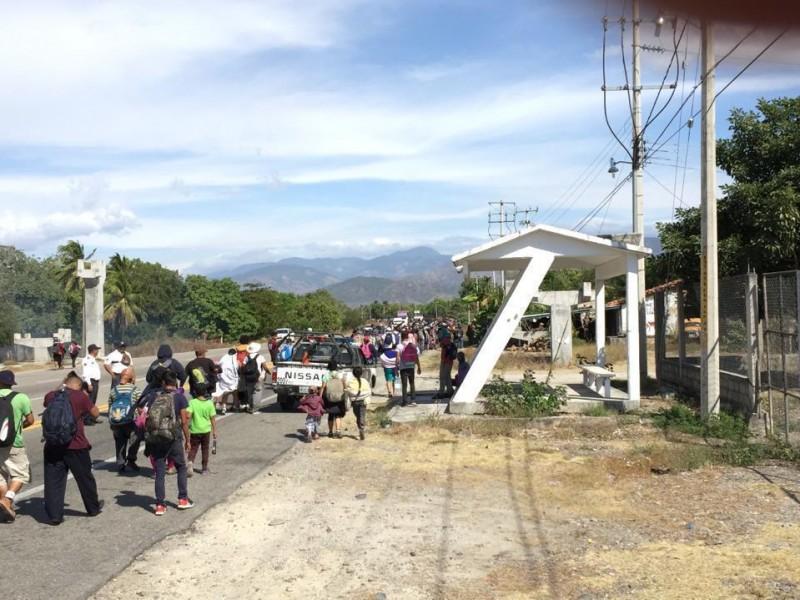 Arriba caravana de migrantes Centroamericanos a territorio Oaxaqueño