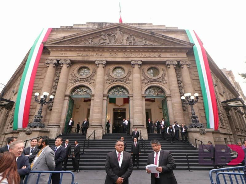 Arriban integrantes del primer Congreso de la CDMX