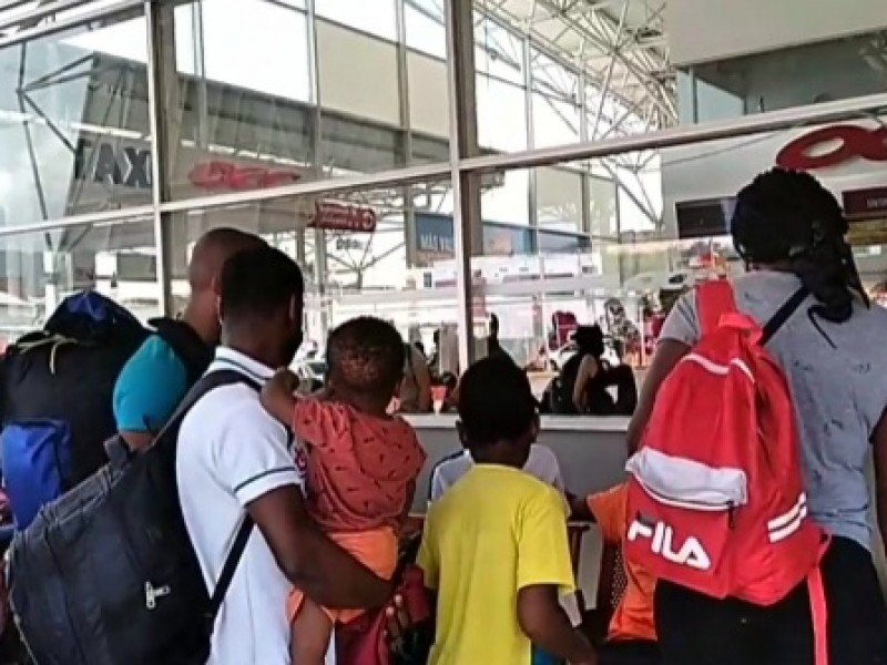 Arriban un centenar de migrantes a la capital Chiapaneca