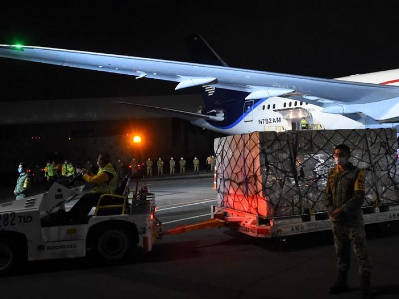 Arribará otro avión con ventiladores