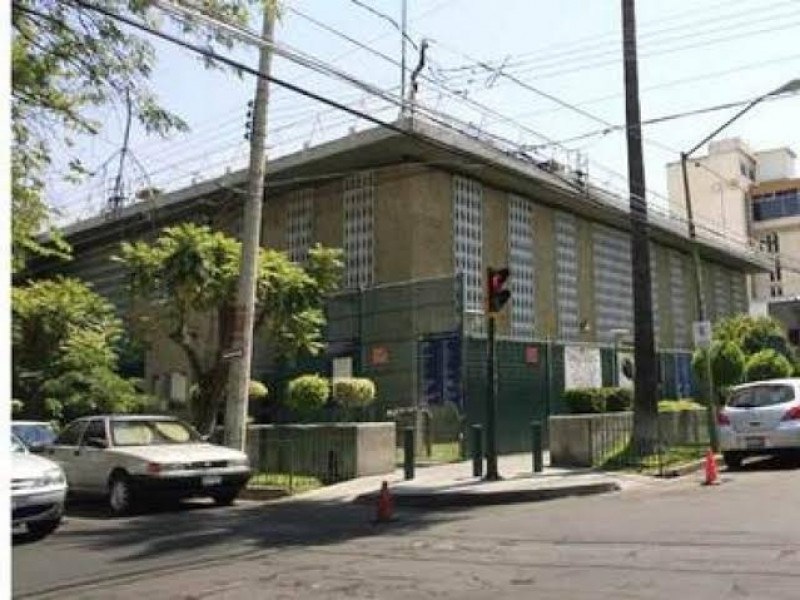 Arrojan granadas en Consulado Americano