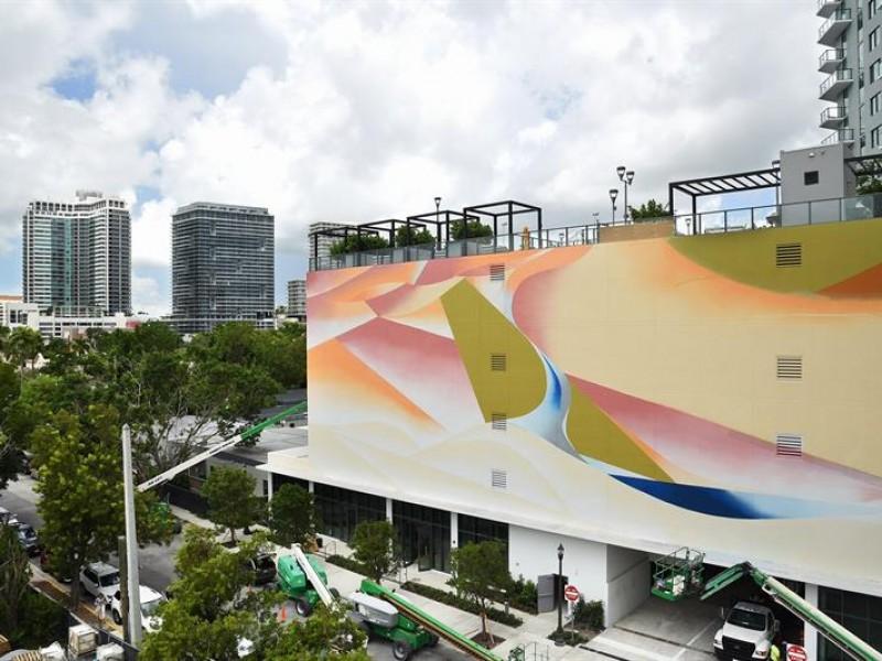 Artista mexicano realiza mural de 3.530 metros cuadrados
