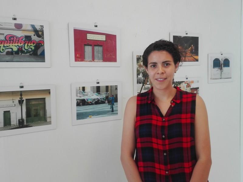 Sin apoyos gubernamentales artista local promueve obra fotográfica