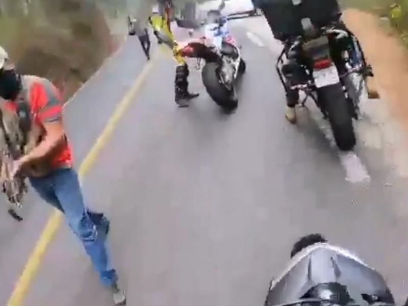 Asaltan a motociclistas en el Estado de México