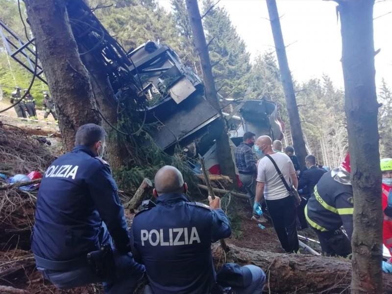Asciende a 13 las personas muertas en accidente de teleférico