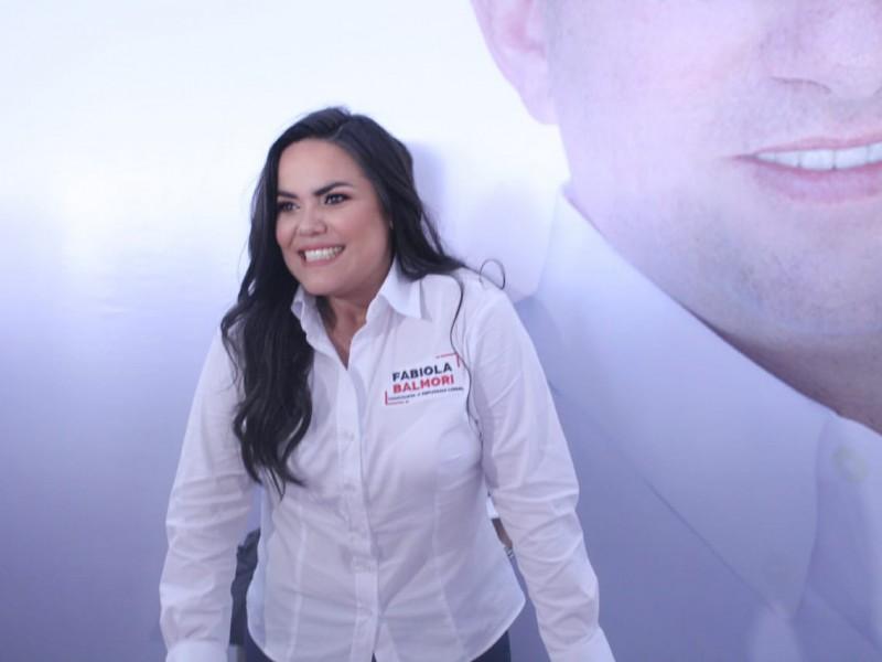 Asegura Fabiola Balmori unidad en arranque de campaña