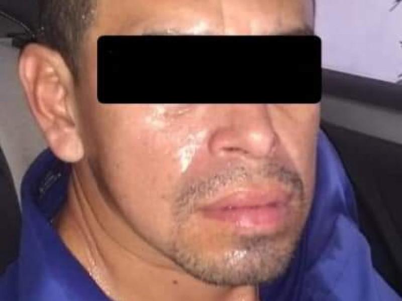 Asegura policía de Tuxtla a presunto delincuente.