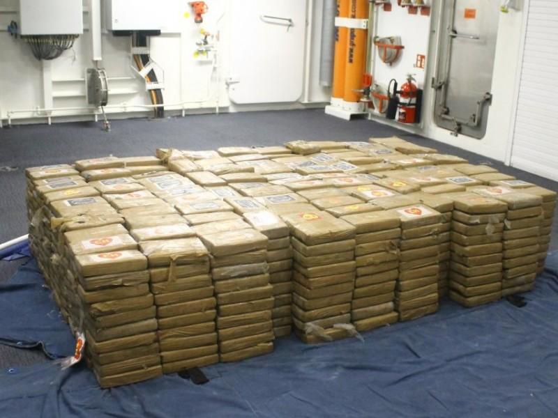 Aseguran 1,100 paquetes de cocaína en Manzanillo