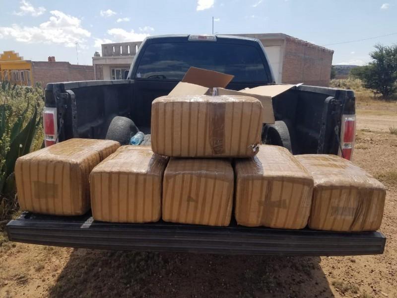 Aseguran 57 kilos de marihuana en Pinos