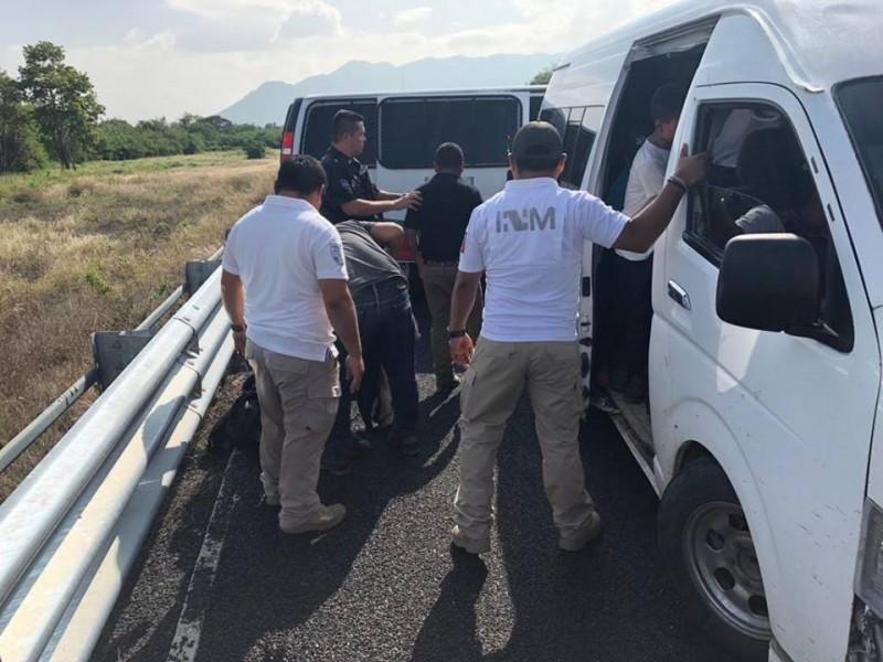 Aseguran a 99 migrantes centroamericanos en Oaxaca