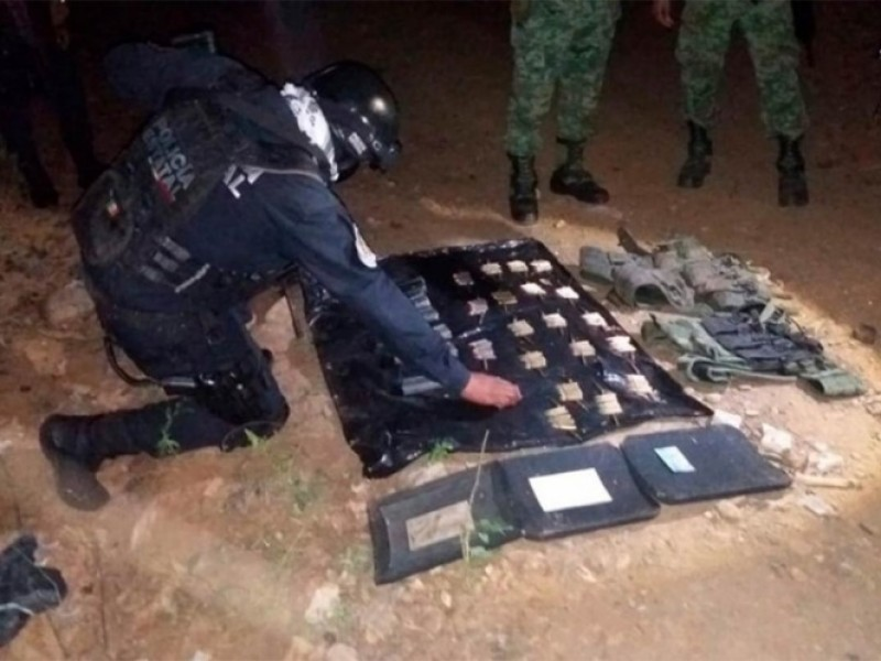 Aseguran armamento militar en Chilpancingo