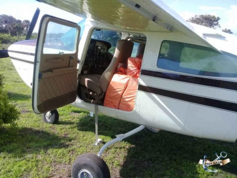 Aseguran avioneta con 490 kg de droga