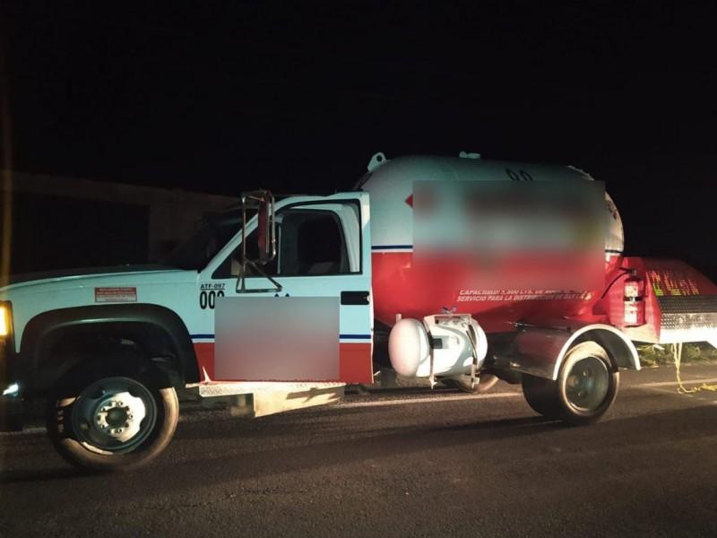 Aseguran pipa con presunto gas robado