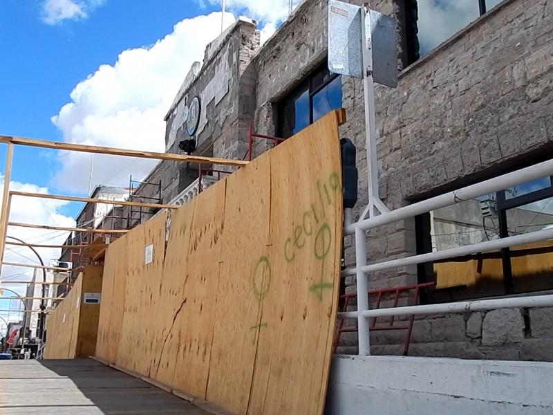 Aseguran culminarán remodelación de Palacio Municipal en mayo