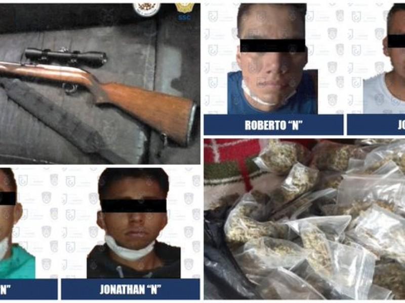 Aseguran droga y armas tras cateos en Azcapotzalco