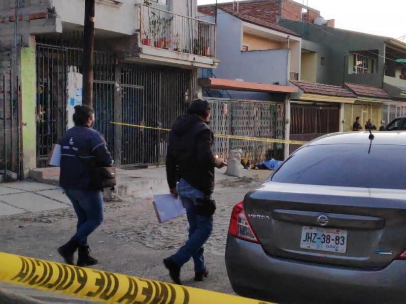 Asesinan a joven afuera de su casa en Agua Blanca