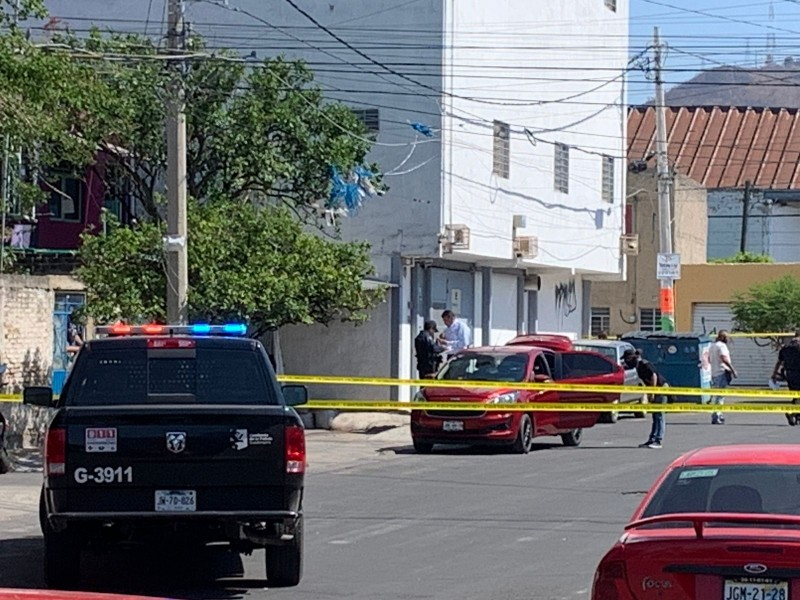Asesinan a mujer en taxi ejecutivo en 5 de Mayo