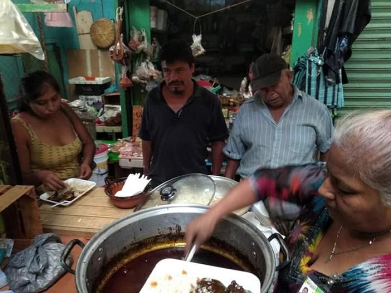 Asociación Civil, apoya a comerciantes con comidas
