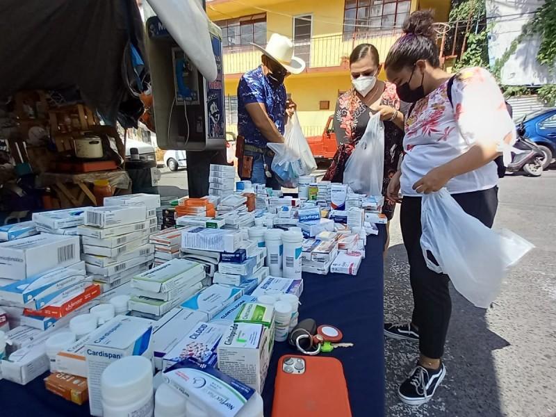 Asociación Civil de Tuxpan instala mesa de medicamentos