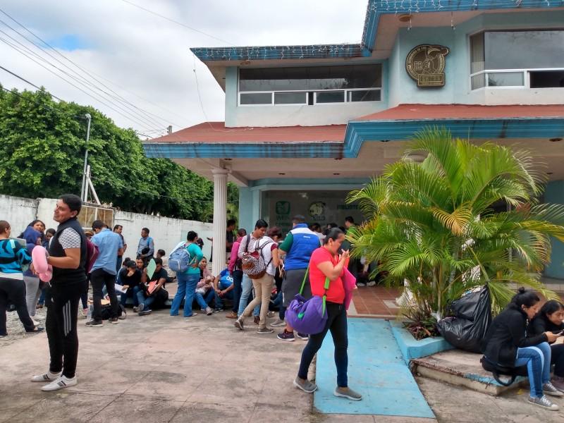 Aspirantes a espacios en IMSS denuncian irregularidades