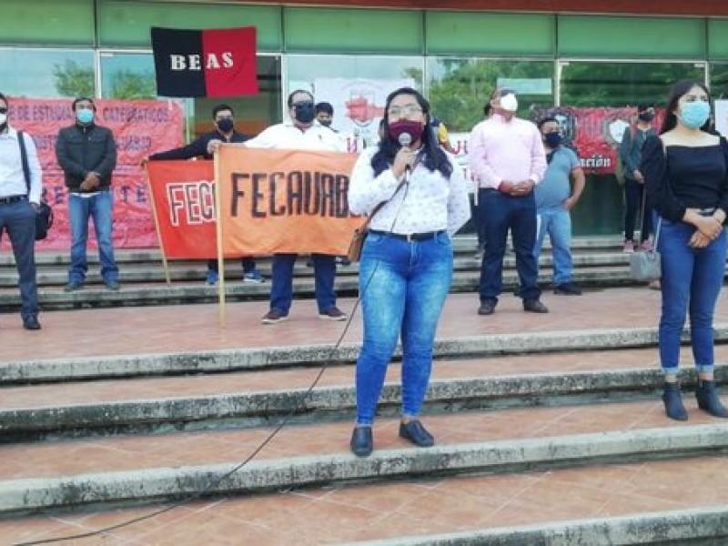 Aspirantes reprobados piden ampliación de matriculas en la UABJO
