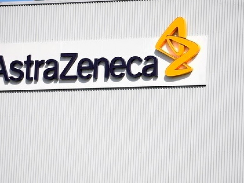 AstraZeneca anuncia retraso en entrega de vacunas a Europa
