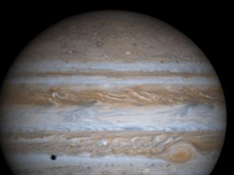 Astrónomo aficionado capta impacto de objeto desconocido contra Júpiter