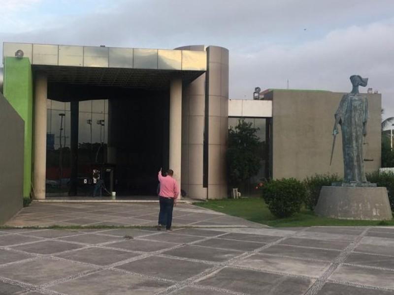 Atacan a balazos edificio de la fiscalía estatal
