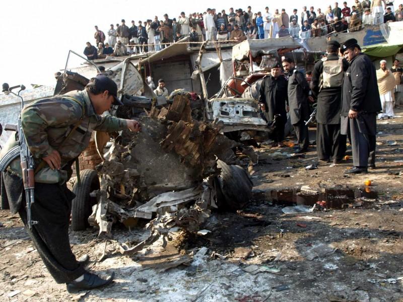 Ataque suicida en Afganistán deja 18 muertos
