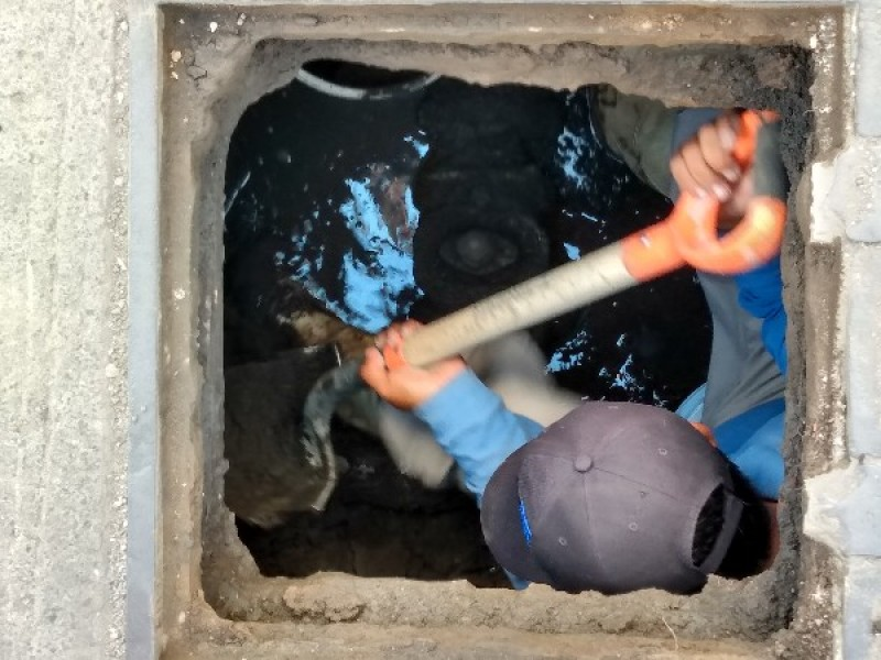 Atendió SIAPA falta de agua en calle Querétaro