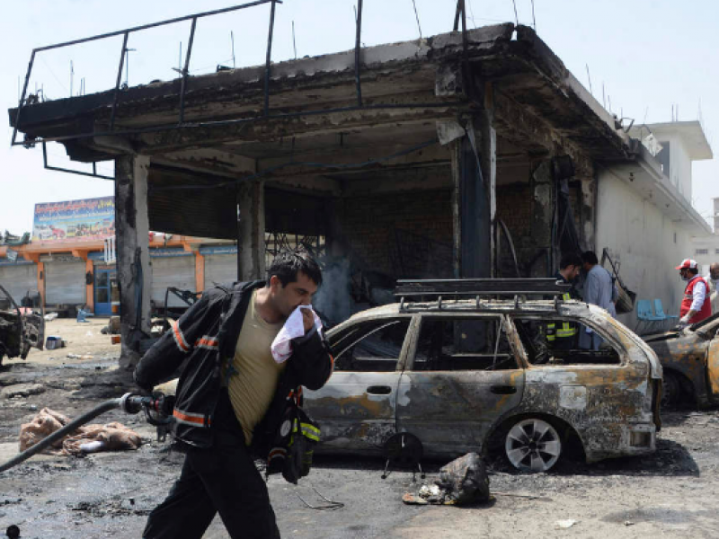 Atentado suicida en Afganistán deja 12 muertos