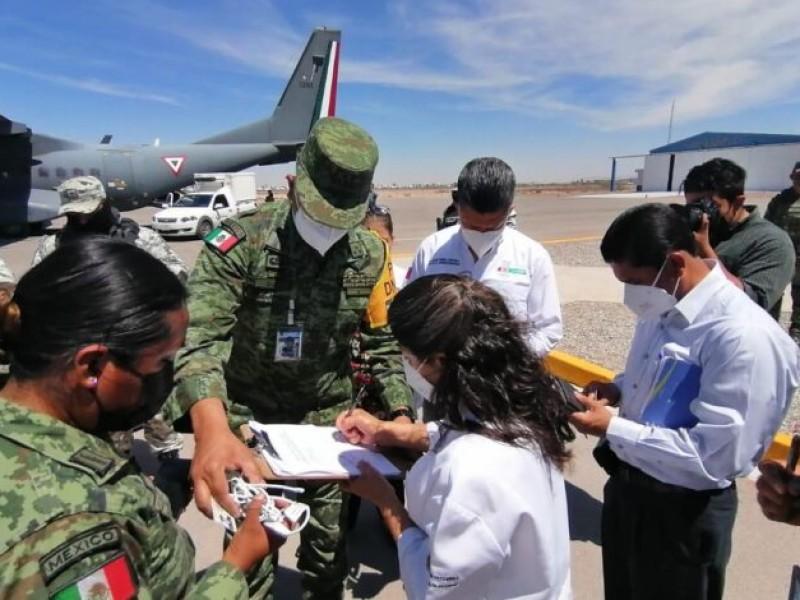 Aterrizan vacunas para adultos mayores en Torreón