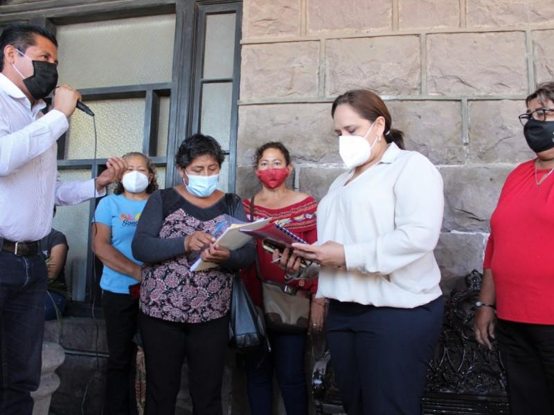 Atiende alcaldesa a integrantes de Antorcha Campesina