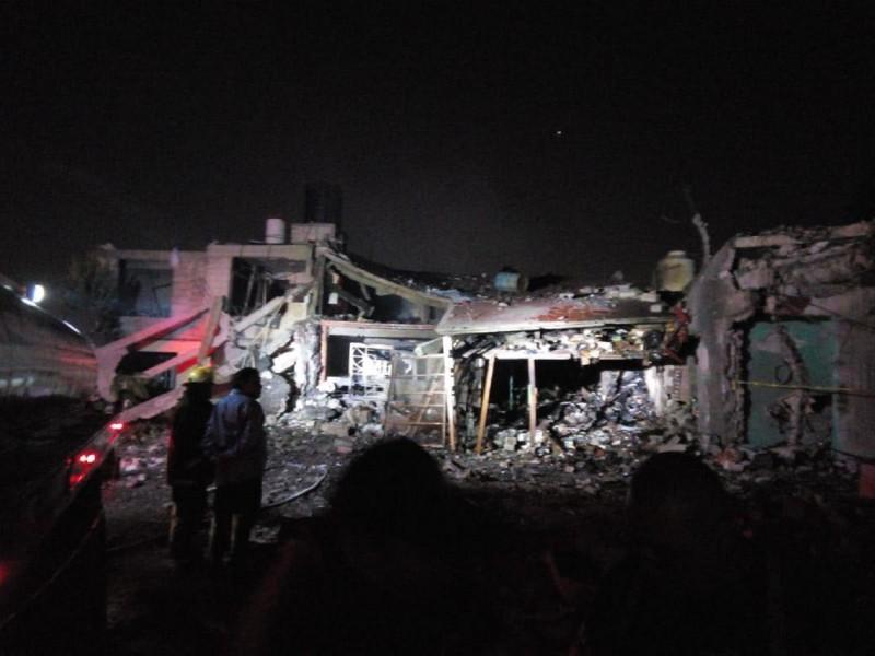 Atienden a lesionados tras explosión de Tultepec