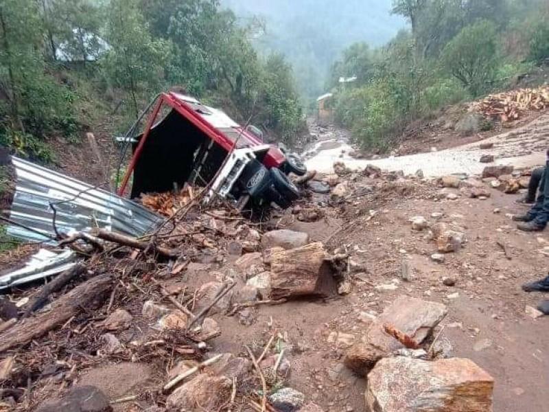 Atienden afectaciones por lluvias en Zimatlán