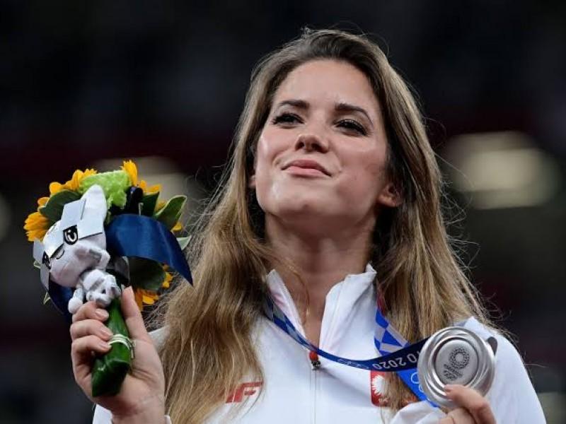 Atleta subastó medalla olímpica para conseguir operación de un niño