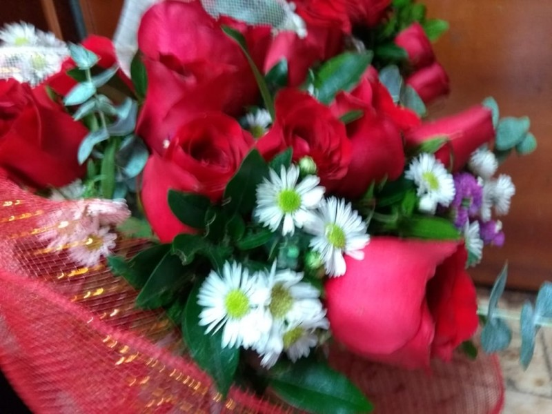 Aumenta ambulantaje de flores,autoridades sin interés de regular